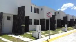 CASA A UN COSTADO DE CLUB DE GOLF MADEIRAS en Villa Nicolás Romero, México
