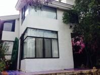 Casa en Bugambilias estilo mexicano a desniveles en Zapopan, Jalisco