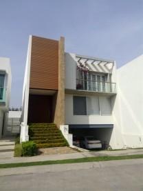 CASA EN VENTA SENDERO DE LAS MORAS $4,490,000 en Tlajomulco de Zúñiga, Jalisco