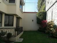 Lujosa residencia finos acabados,  jardinazo, bar en Naucalpan de Juarez, Mexico