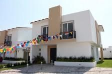 Amplia casa de dos plantas en zona residencial. en Querétaro, Queretaro