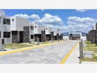 Casa a un costado del club de Bosque en Villa Nicolás Romero, México
