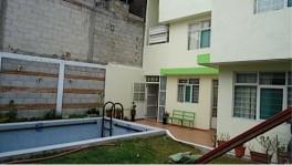 Casa por C. U. con alberca en Puebla, Puebla
