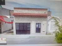 CASA IDEAL PARA NEGOCIO SOBRE AVENIDA PRINCIPAL en San Juan del Rio, Querétaro