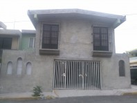 Casa 2 pisos cerca de avenida principal en Ecatepec de Morelos, Mexico