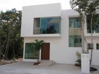 **Casa bien diseñada en Palmaris en Benito Juarez, Quintana Roo