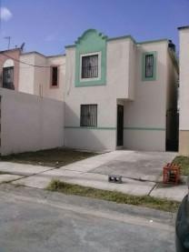 Casa recién pintada en Apodaca, Nuevo Leon