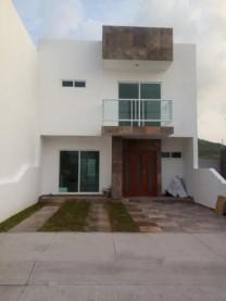 Se vende casa nueva en Irapuato Gto. dos niveles en Irapuato, Guanajuato