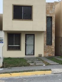 venta casa en Bosques del rey Francia 86 231 Gpe en Guadalupe, Nuevo León
