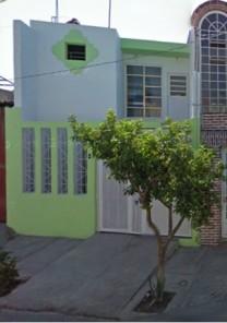 CASA EN GDL A UNA CUADRA DE AV. ARTESANOS A DOS DE PERIFERICO en GUADALAJARA, Jalisco