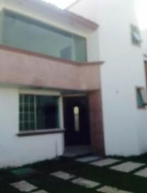 MODERNA CASA EN RENTA EN MILENIO III en Querétaro, Querétaro