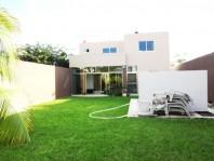 Inmueble de 2 pisos y piscina al norte de Mérida en Merida, Yucatán