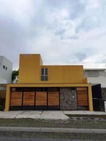OFICINAS  EN RENTA POR AVENIDA CONSTITUCION en Colima, Colima