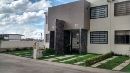 CASA DOS PLANTAS TRES RECAMARAS $830.000 en Ciudad Adolfo López Mateos, México