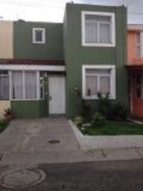 Casa ubicada en Pablo Valdez y Presa Laurel en Guadalajara, Jalisco