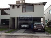 Casa en Condominio en Venta en Metepec, México