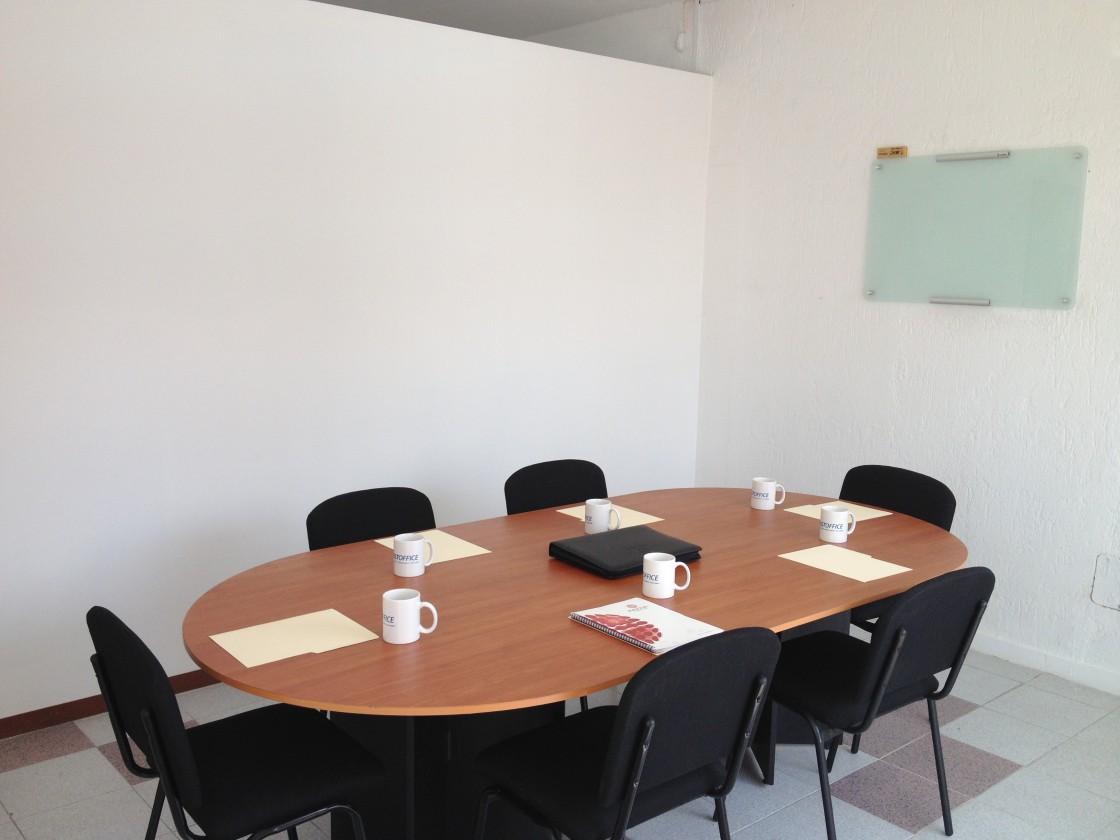 Oficina en renta en paseos del sol zapopan 3186 hab tala for Renta de oficinas amuebladas