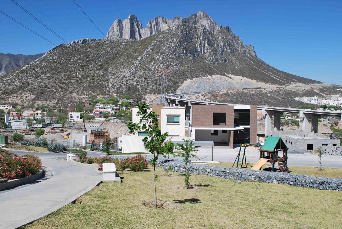 Casa en venta en santa catarina 5881 hab tala for Casas santa catarina