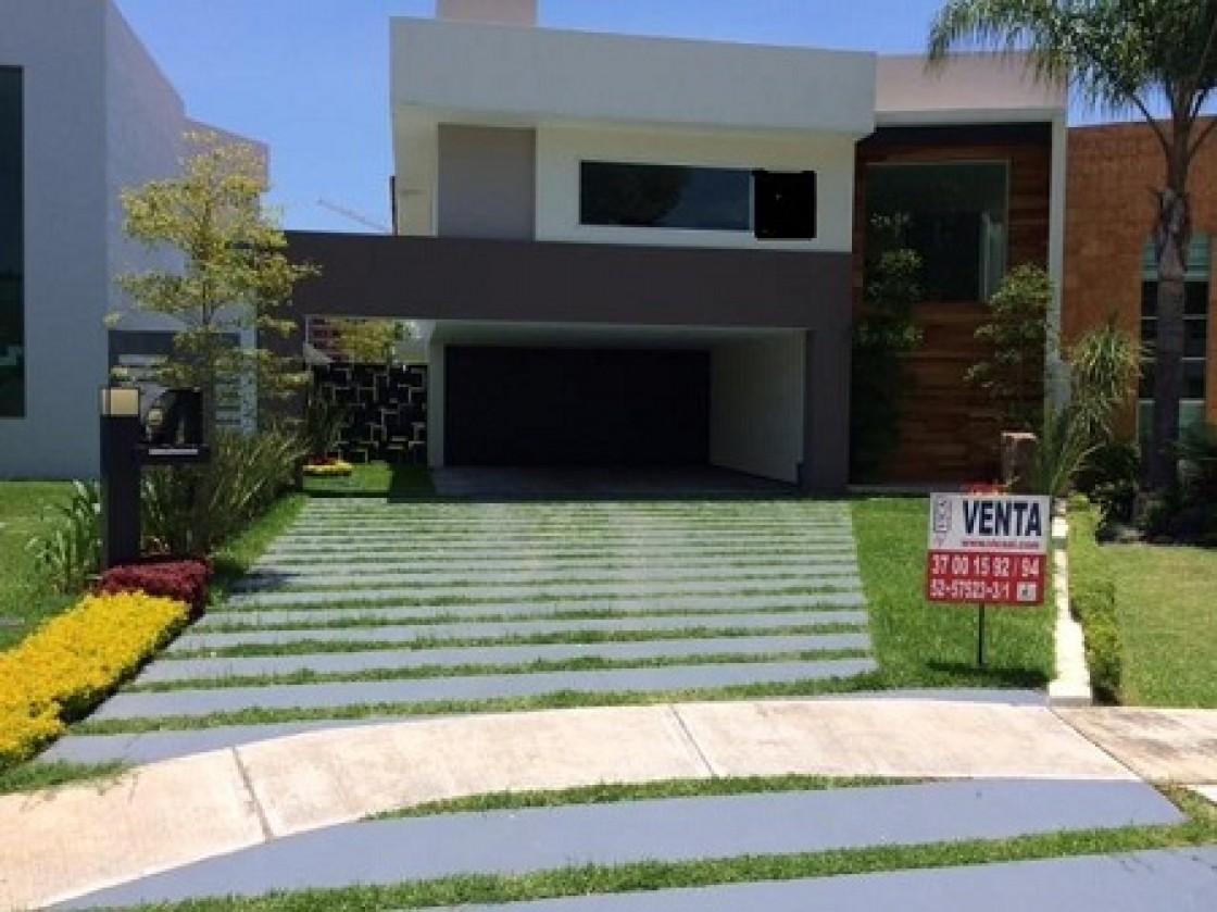Casa en venta en valle real zapopan 14998 hab tala for Casas jardin del mar