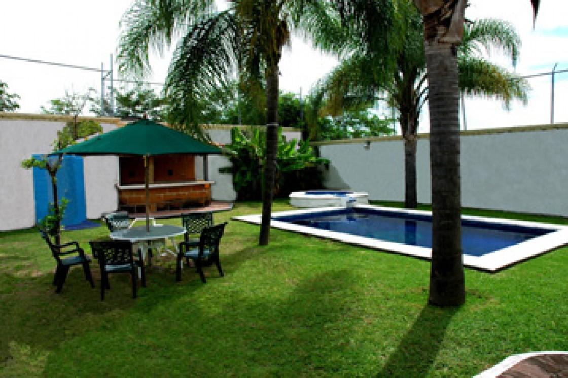 Casa en renta en cocoyoc oaxtepec 1718 hab tala for Casa jardin 8 de octubre