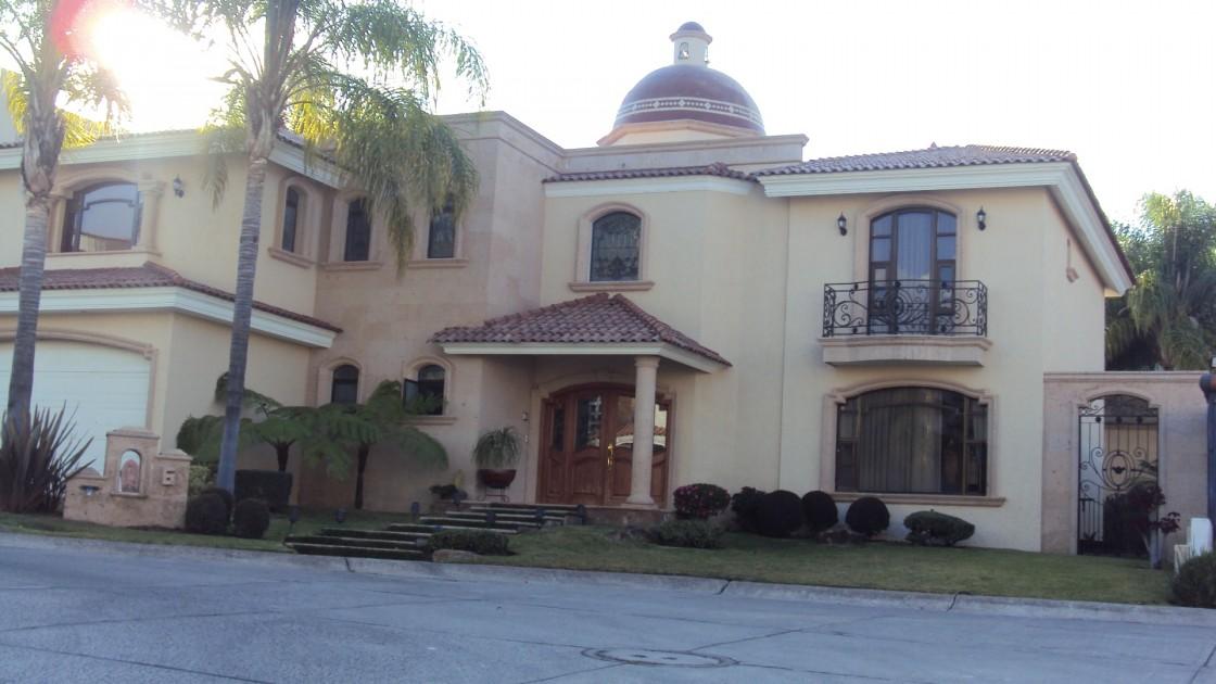 Casa En Venta En Puerta De Hierro Zapopan 26977 Habitala