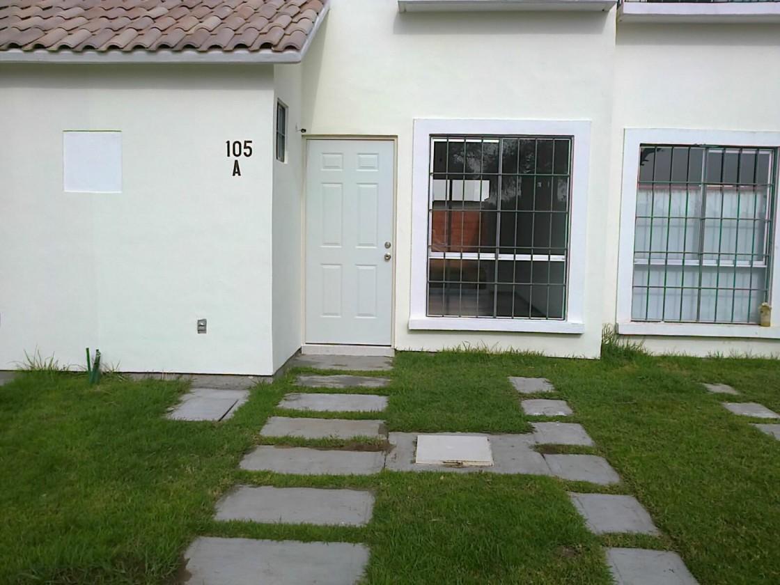 Casa en renta en colonia puerta de san carlos leon 7776 for Casas en renta leon gto