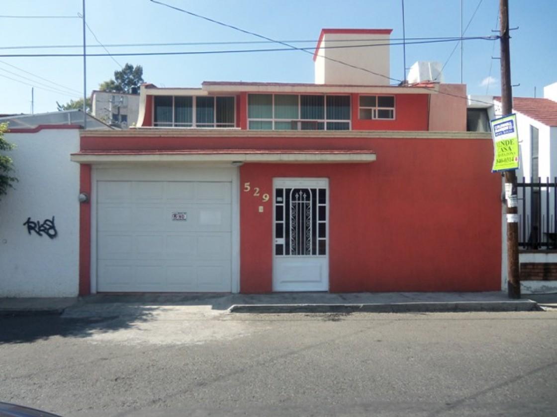 88ddc04d49684 CASA BONITA ZONA DE TRES PUENTES EN VENTA en Morelia